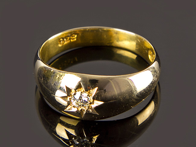 18 Carat Gold Diamond Gypsy Ring Birmingham 1941 Parade Antiques