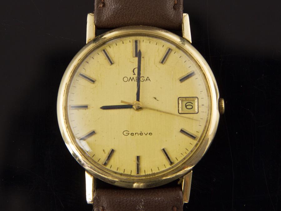1972 9 carat gold omega geneve mans wristwatch parade