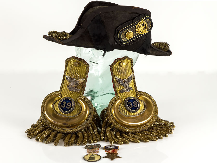 US Civil War Bicorn Hat Medals & 39th New York Inf Reg Epaulette