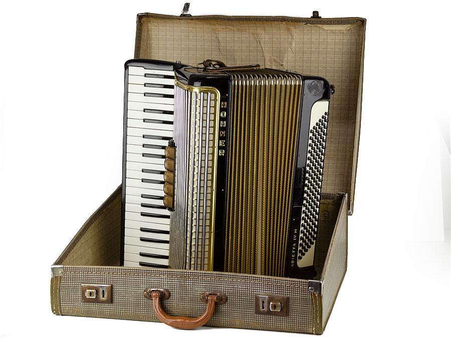Vintage German 120 Bass Hohner Arietta IV M Accordion